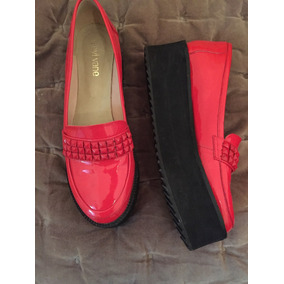 Hermosos Zapatos Mocasines Sibyl Vane Color Rojo Con Tachas