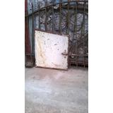 Puerta De Chapa Bajo Escalera O Nicho