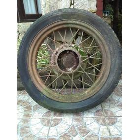 Antigua Llanta De Ford T