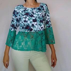 Blusa Malha Rosas Azuis Com Renda Tam M