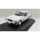 Miniatura Chevrolet Opala Caravan - Ambulância 1/43