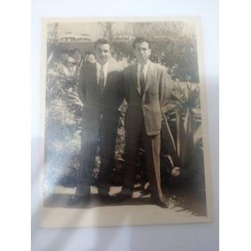 Fotografia Antiga ( 2 Rapazes De Terno) 6,5 X 8 Cm