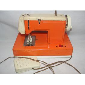 Antiga Mini Maquina De Costura De Lata Japonês Brinquedo