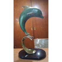 Bellísimo Delfín Sobre Una Ola En Hierro, Acabados Dorados