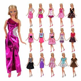 Kit Com 12 Roupinhas E Acessórios Para Barbie Fashion