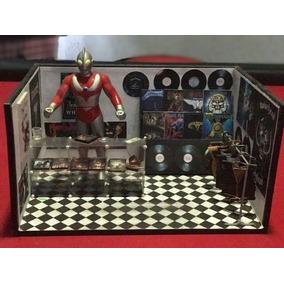 Display Loja De Rock/discos + Ultraman/ultraseven