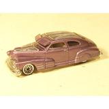 Hot Wheels 2004: Chevrolet Fleetline 1947