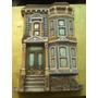 Figura De Casa Tipica De San Francisco Guillon En Perfecto E