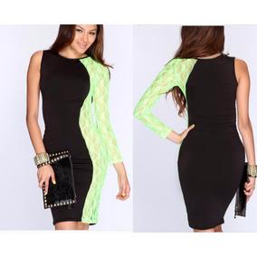 Vestido de renda com tela transparente