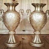 Kit 2 Vasos Ânfora De Resina Dourado Para Arranjo De Flores