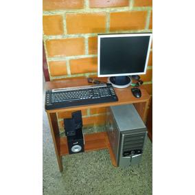Computadora Con Mesa Impresora Cornetas
