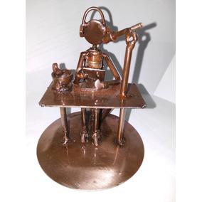 Gcg Locutor De Radio Figura Metal Reciclado Artesanal