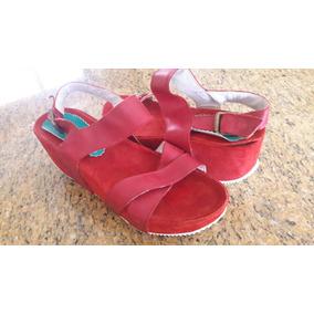 Sandalia Cuero Rojo Talle 40 Plataforma Bajita