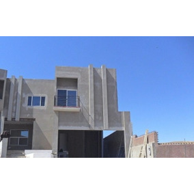 Casa Nueva En Venta, Frente A Parque Y Cerca De Escuelas Y Centros Comerciales, En Fraccionamiento P