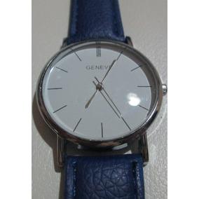 Relógio Geneva, Quartz, Fundo Branco, Pulseira Tipo Couro
