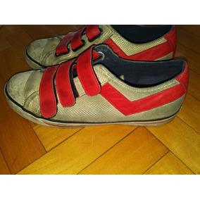 Zapatillas Pony Doradas Con Rojo Y Textura Simil Serpiente