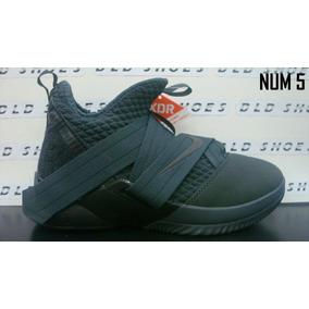 dda0dbaa Lebron Soldier - Zapatos Nike de Hombre Gris oscuro en Mercado Libre ...