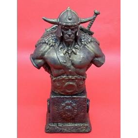 Conan Busto