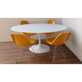 Mesa Saarinen De Jantar Oval 1,37x0,90 Nanoglass +4 Cadeiras