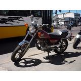 Honda Custom V-men 125 Motos March