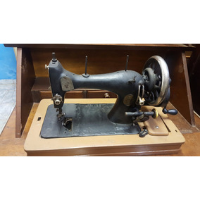 Maquina De Costura Antiga De Mao Zerenner Bulow (only Wood)