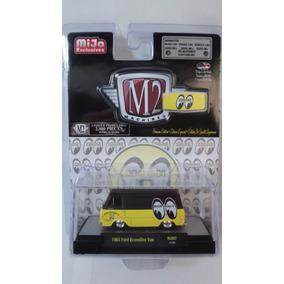 2017 M2 Machines 1:64 Mooneyes *1965 Ford Econoline Van*