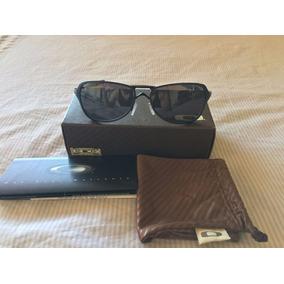 abe7bf99bdb91 Óculos De Sol Outros Óculos Oakley em Votorantim no Mercado Livre Brasil