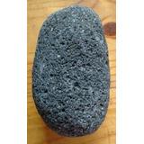 Roca Volcánica Negra Forma Ovoide 1250 Gramos Volcán Lanín