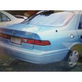 Stop Trasero Toyota Camry 97-99 (derecho)