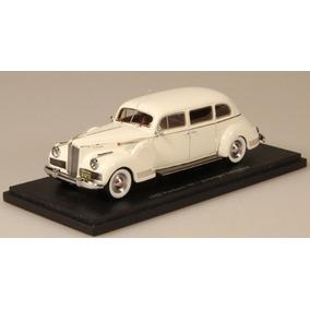1942 Packard Limusina 180 Para 7 Pasajeros - Beige En Escal