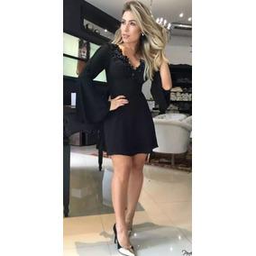 Vestido preto de renda perfect way