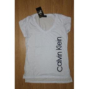 831bb34831f2c Blusa Calvin Klein Feminina - Camisetas e Blusas Femininas