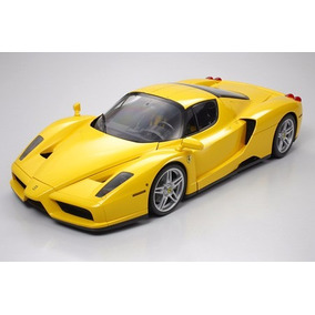 Kit Tamiya Ferrari Enzo - Premium Kit Semi-montado - 23209