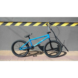 Bicicleta Glint Bmx