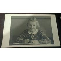Foto Antiga ( Menina Estudante)