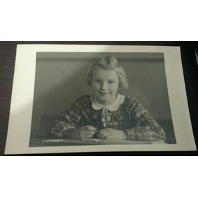 Fotografia Antiga ( Menina Estudante)