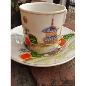Bella Taza Café Porcelana Japonesa Pint. A Mano Pagoda Oro.