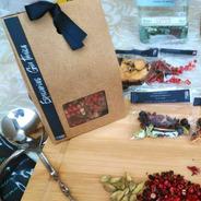 Caixa Com Especiarias Para Gin Tônica Com Sachês Prontos