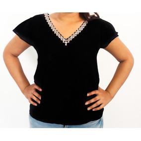 Blusa Negra Manga Corta Cuello V Con Pedrería