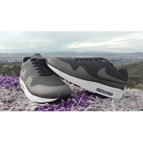 Nike Airmax Essential Negro Gris