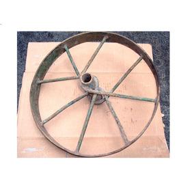 Roda De Ferro De Carrinho De Mão Antigo
