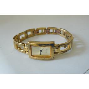 Relogio Bracelete Guess I70402l3 Plaquet Ouro