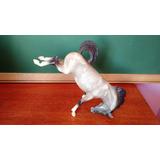 Cavalo Cinza Dando Coice Breyer 730 1998