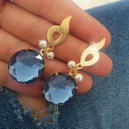 Brinco Dourado Pendurado Perola E Pedra Sintetica Azul