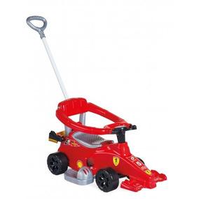Carrinho Andador Com Empurrador Formula 1 Um Menino Criança