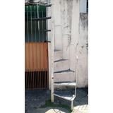 Escada Caracol De Ferro Com Corrimão Usada .