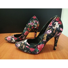 Hermosas Y Femeninas Zapatillas Florales West Avenue