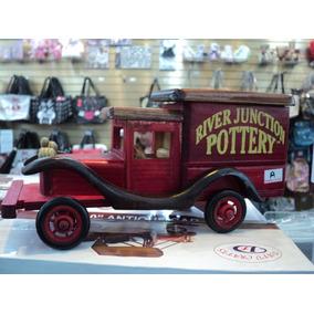 Lindo Caminhão Antigo Em Madeira Miniatura Propaganda