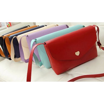 Bonita Bolsa Para Mujer De Piel Disponible En Varios Colores