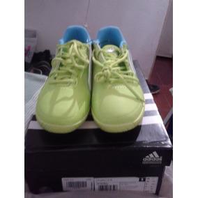 Zapatos Deportivos adidas ( Salon Soccer ).